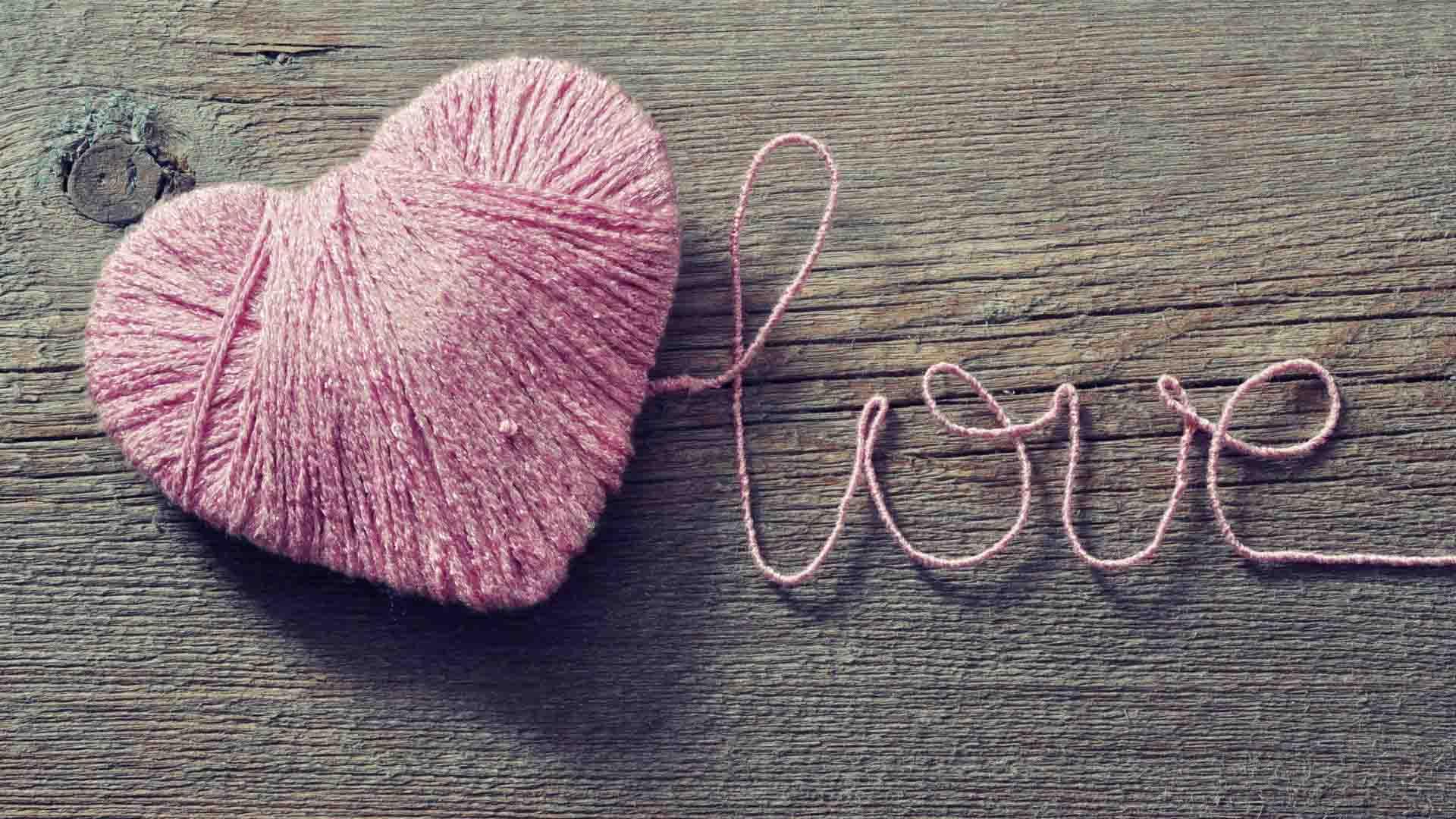 Ảnh trái tim chữ love