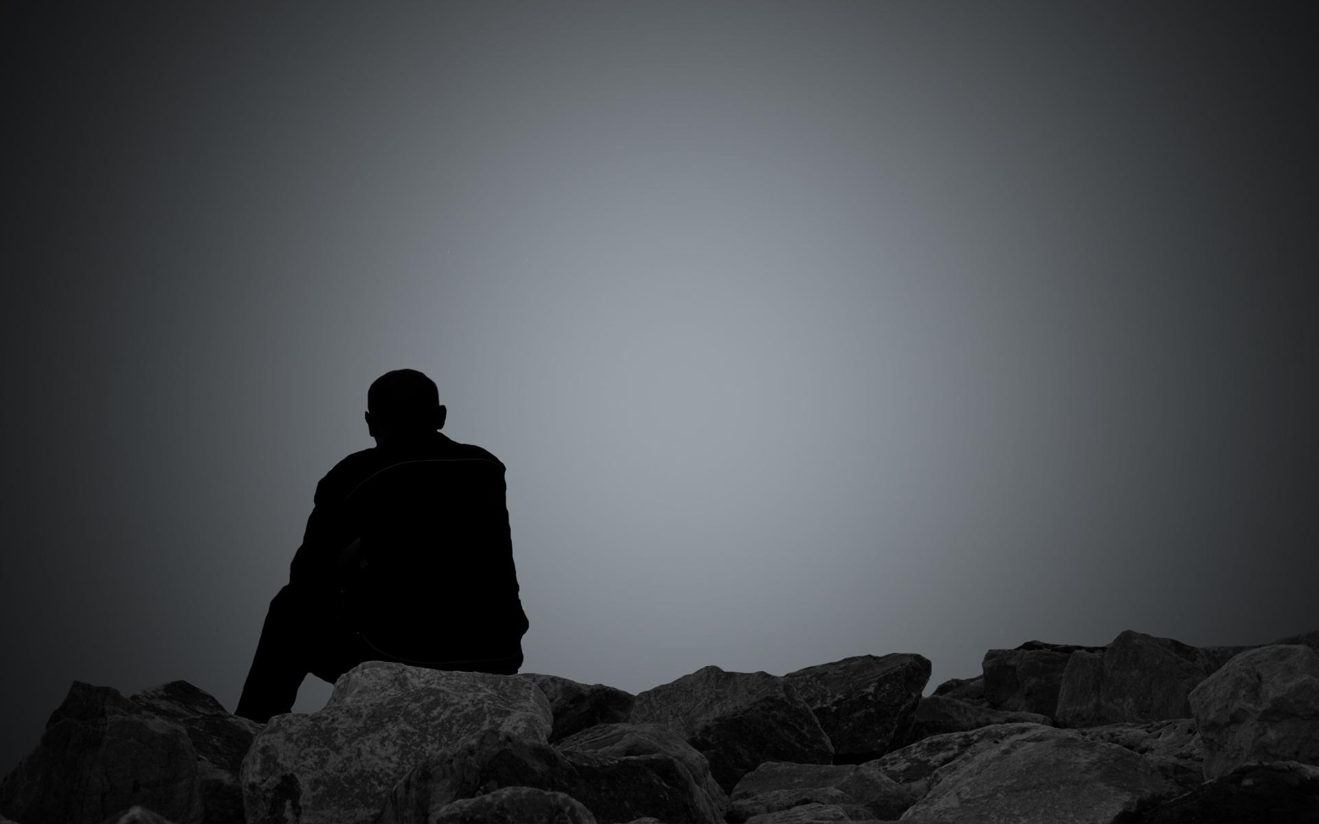 Hình ảnh đàn ông buồn
