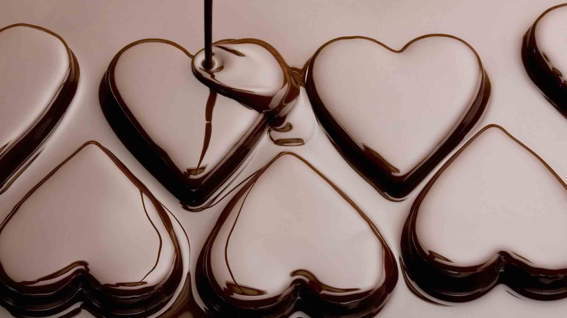 Hình ảnh socola trái tim tan chảy