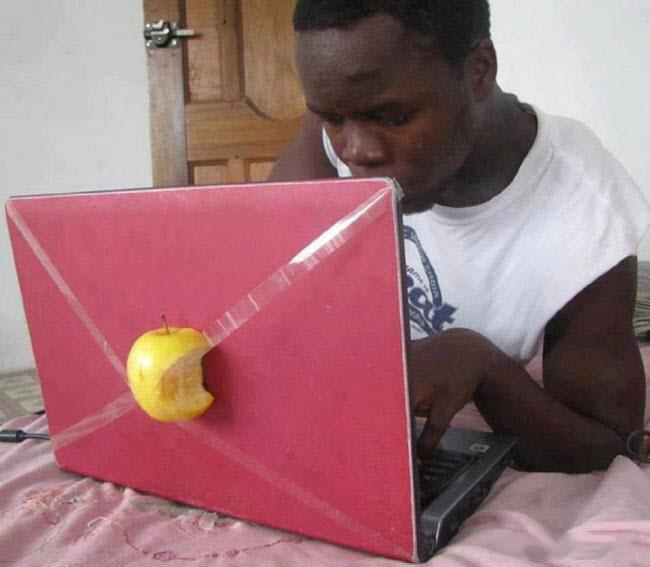 Ảnh chế macbook ngộ nghĩnh