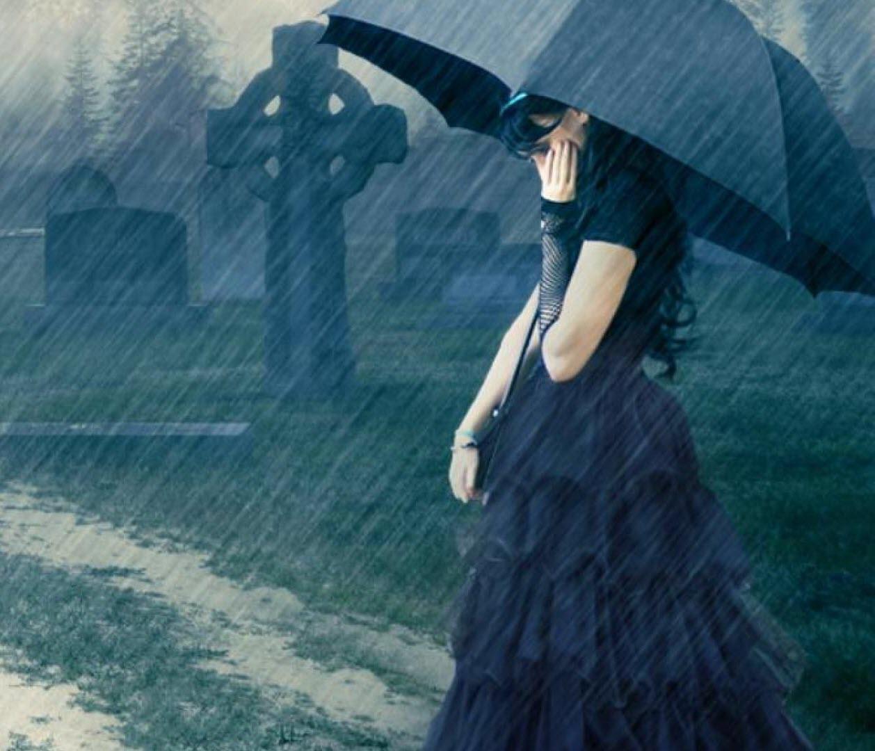 Ảnh đại diện facebook cô gái buồn dưới mưa