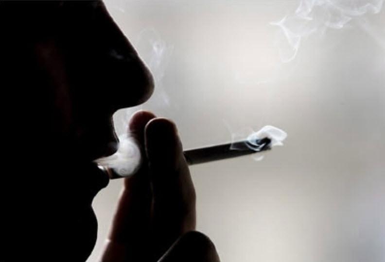 Ảnh đại diện facebook tâm trạng buồn hút thuốc (2)