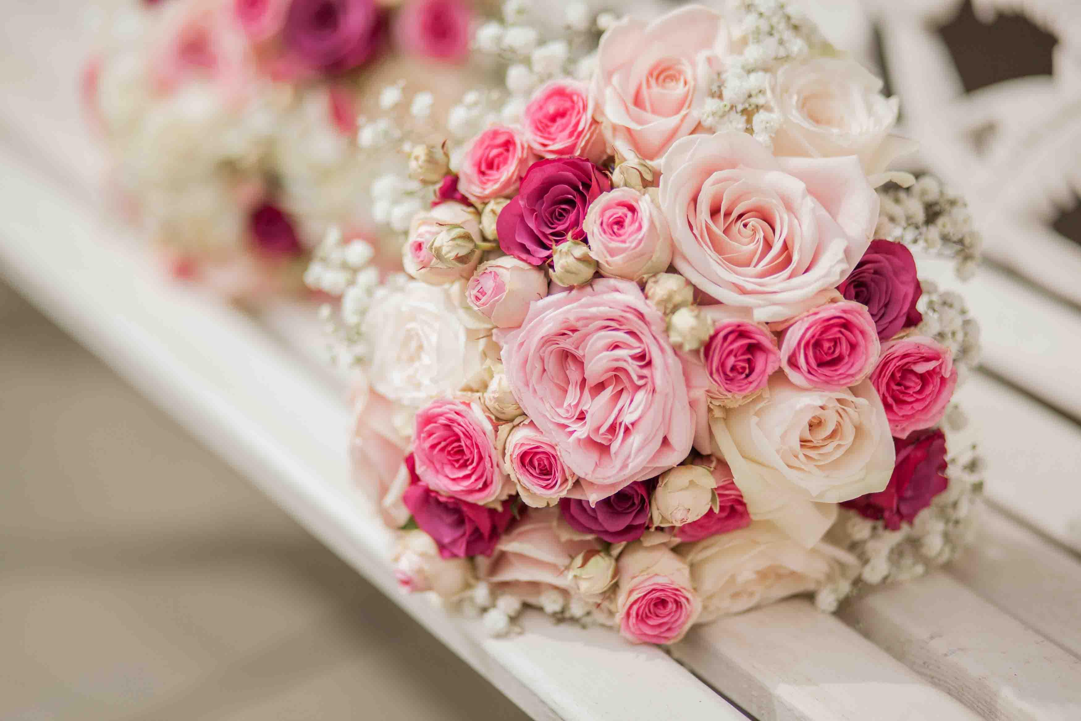 Hình ảnh bó hoa hồng cưới đẹp nhất