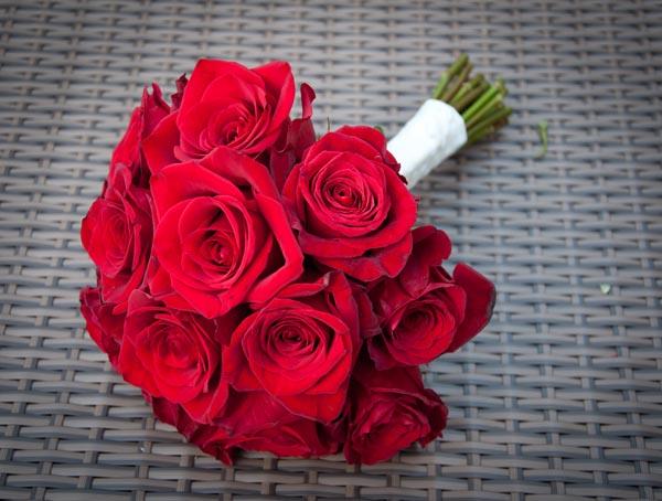 Hình ảnh bó hoa hồng đỏ