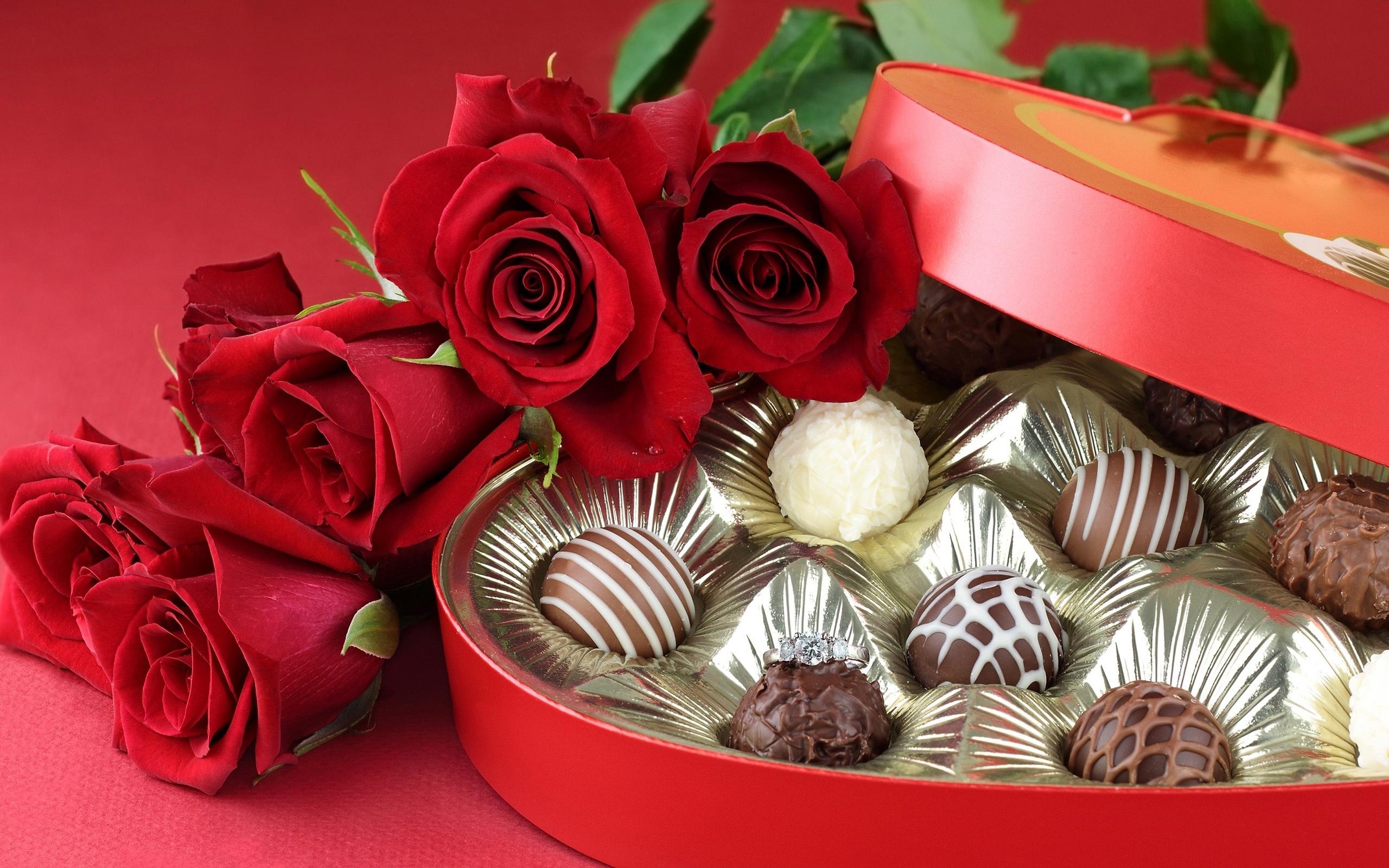 Ảnh hoa hồng và sô cô la dành cho ngày valentine đẹp