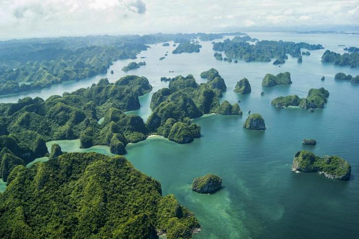 Ảnh đẹp các hòn đảo nhỏ trên vịnh Hạ Long