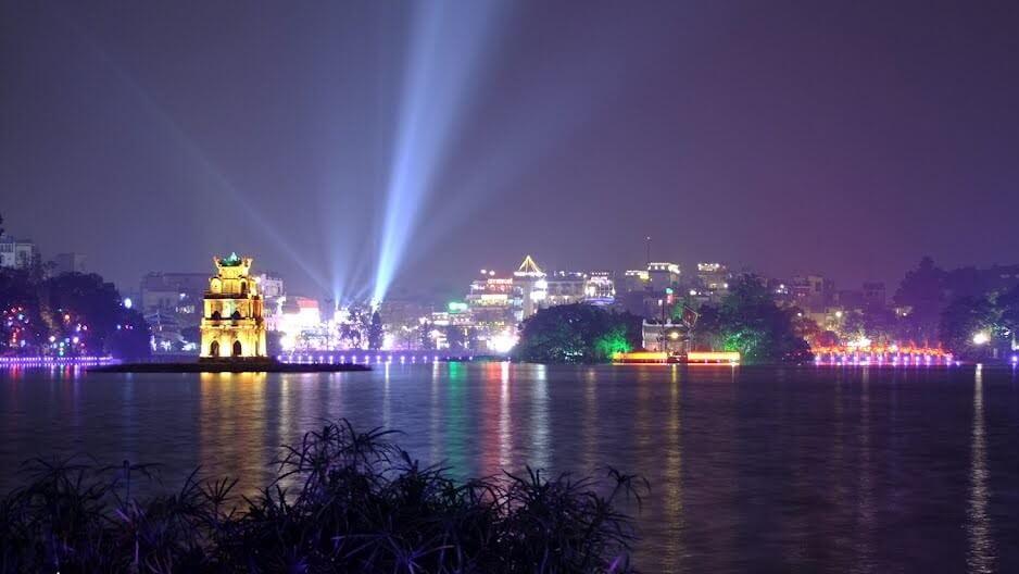 Ảnh đẹp một góc hồ Hoàn Kiếm-Hà Nội về đêm