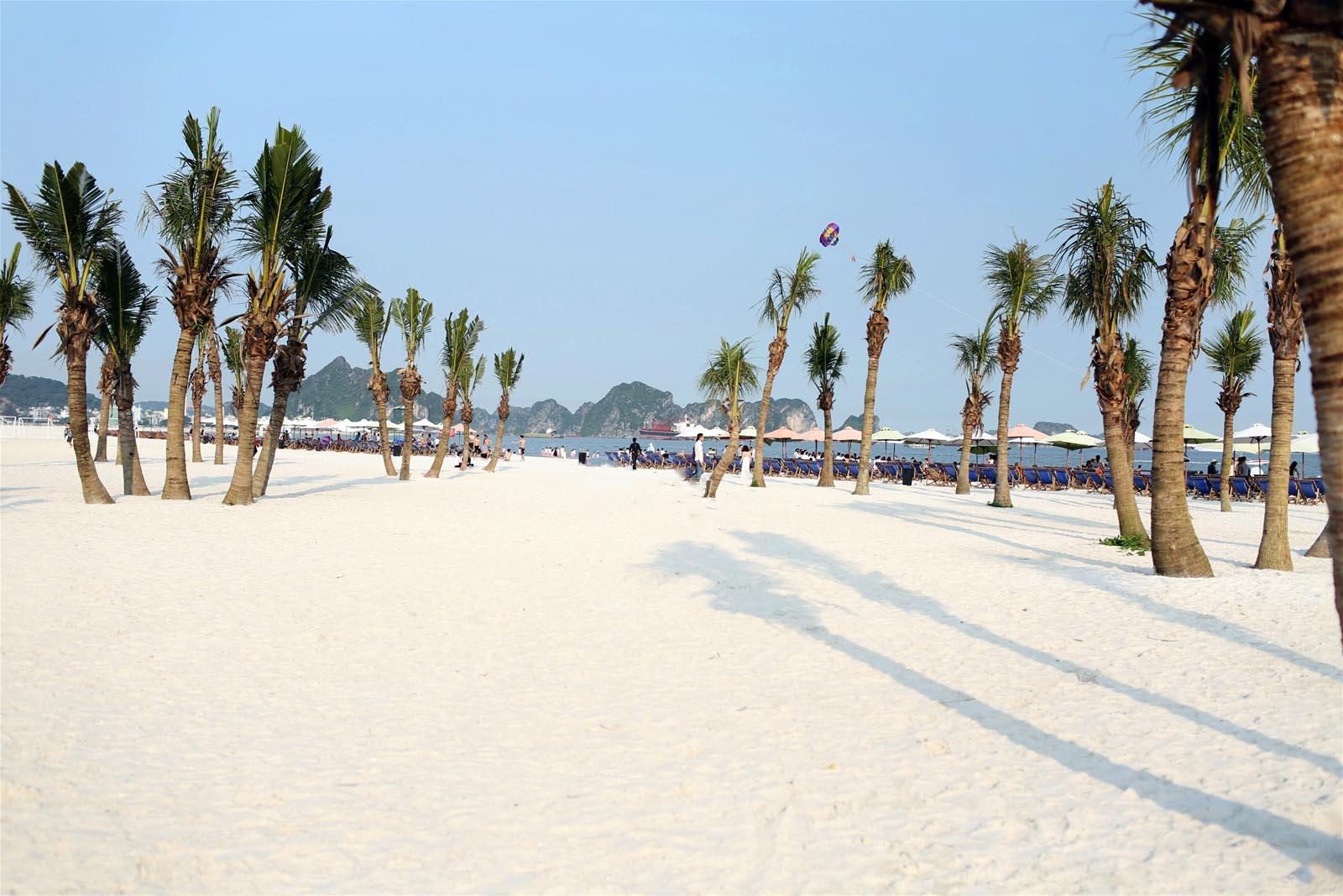 Hình ảnh đẹp biển Bãi Cháy Hạ Long
