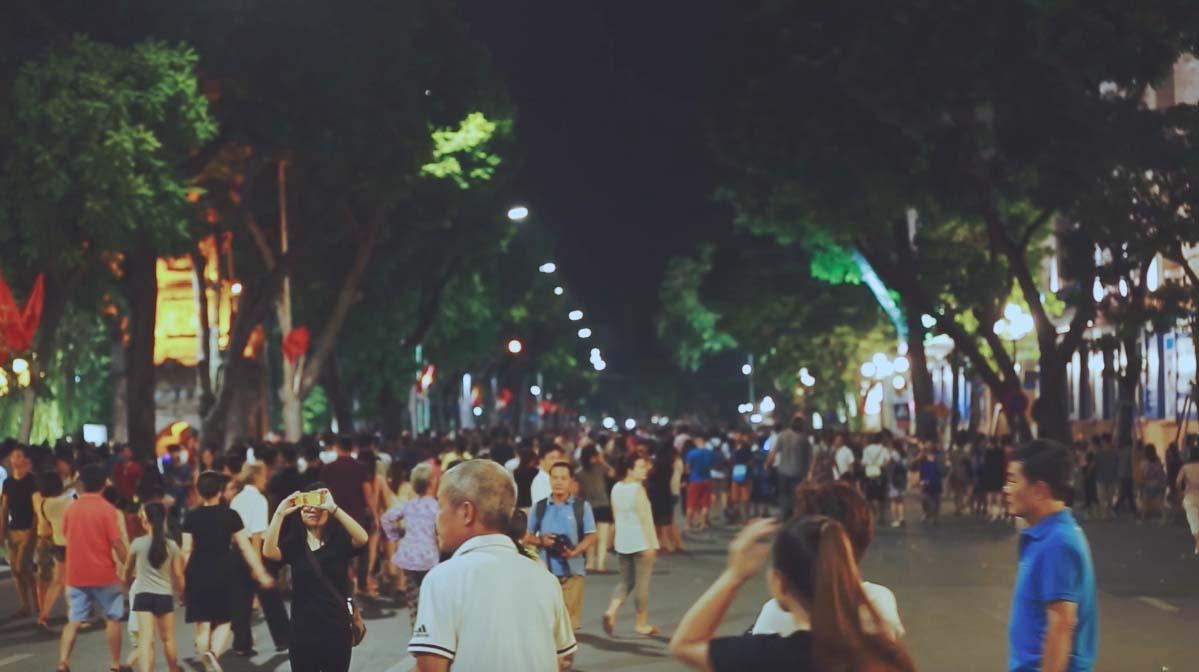 Hình ảnh đẹp khu phố đi bộ ở Hà Nội