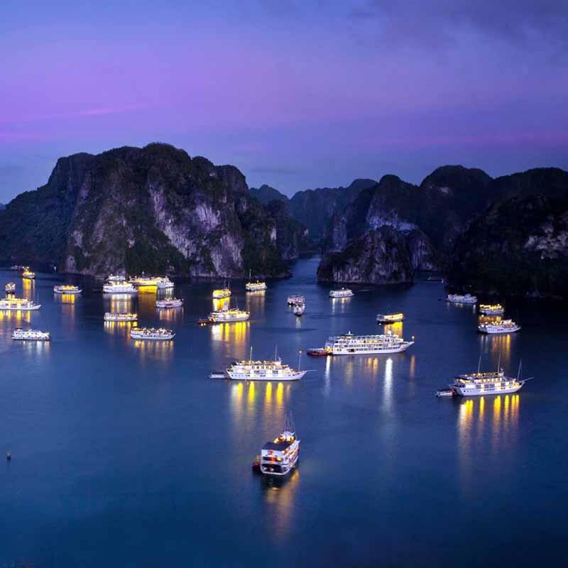 Hình ảnh du thuyền trên vịnh Hạ Long