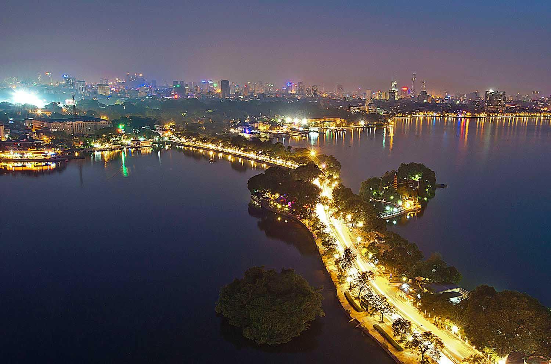 Hình ảnh Hồ Tây về đêm
