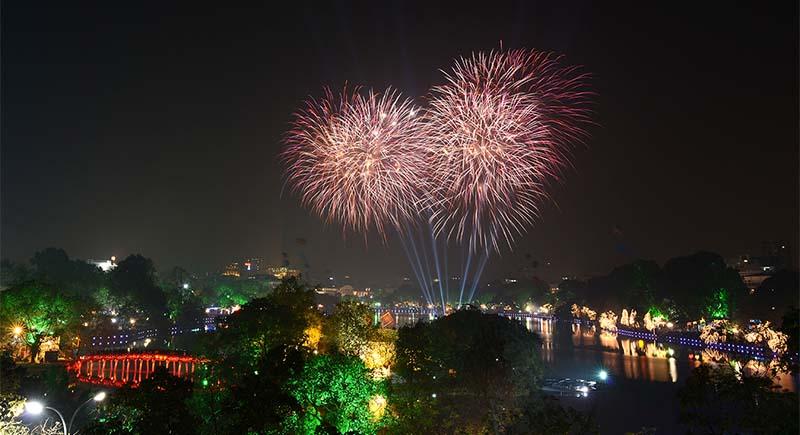 Hình ảnh pháo hoa mừng xuân Hà Nội