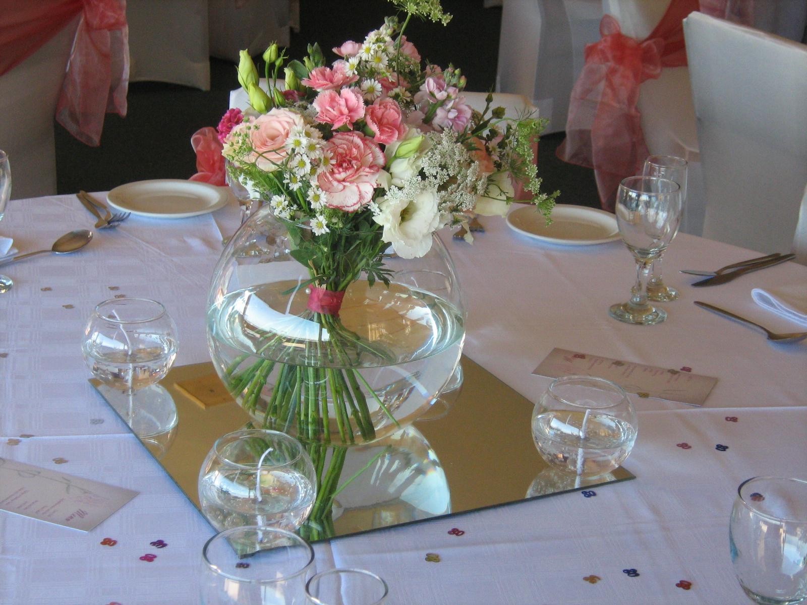 Hoa để bàn sinh nhật đẹp