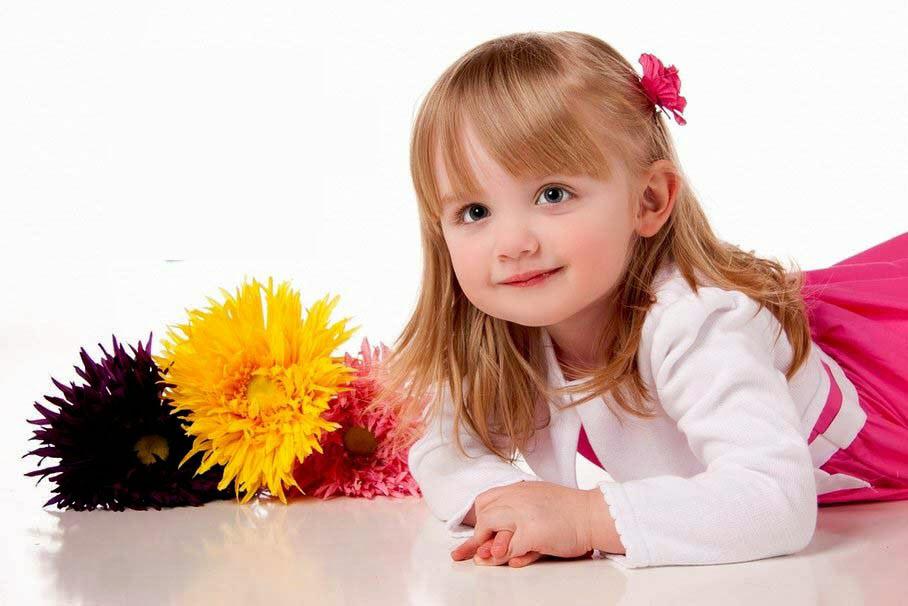 Hình ảnh bé gái đáng yêu dễ thương
