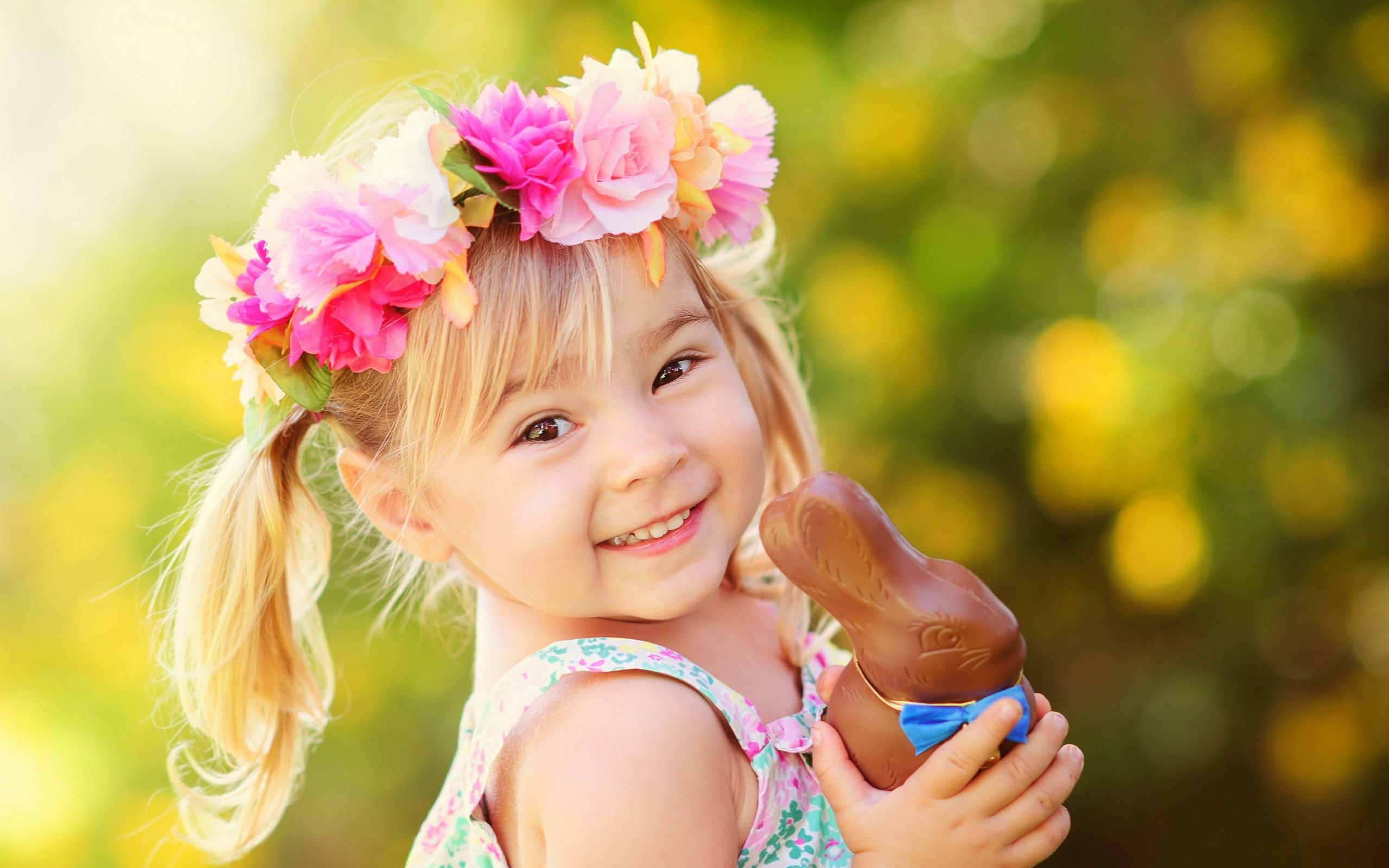 Hình ảnh bé gái xinh đẹp đáng yêu