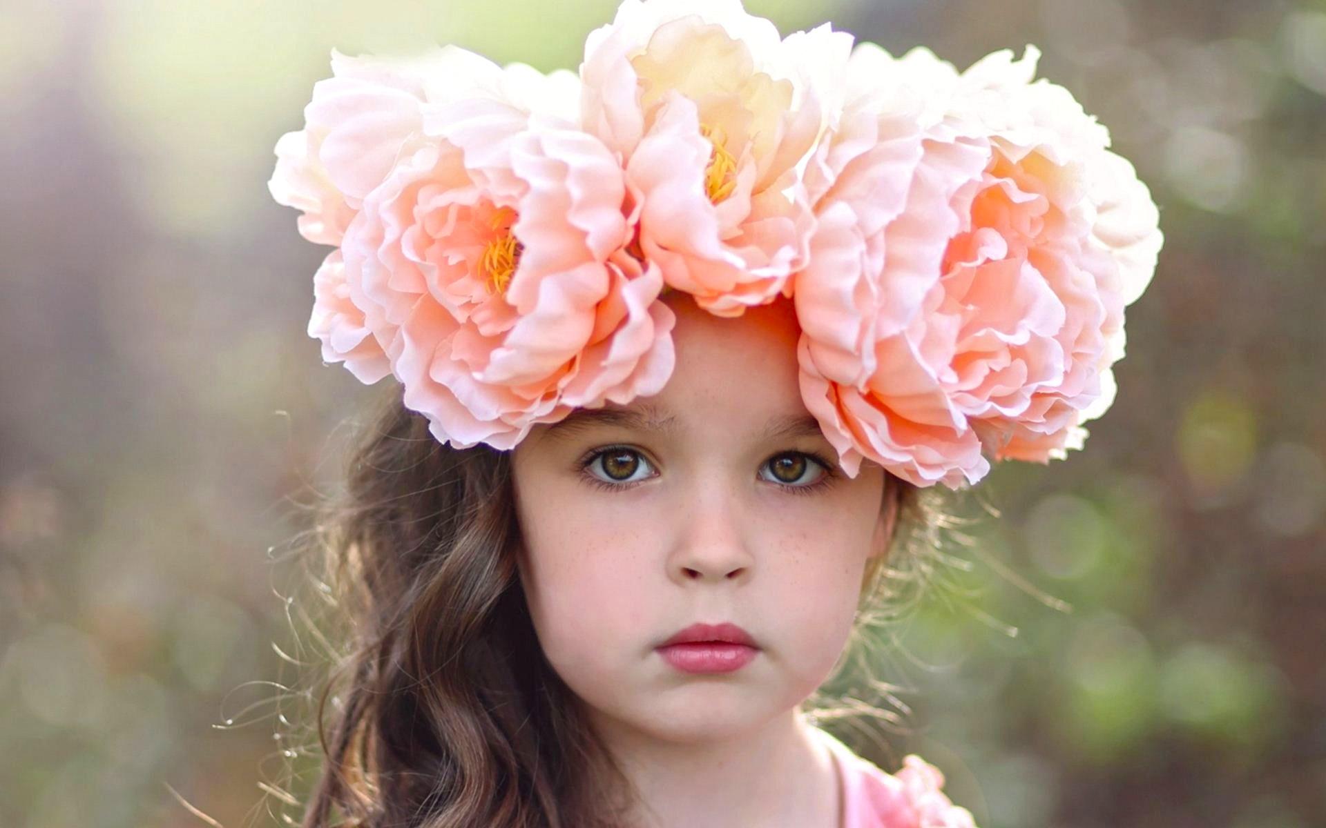Hình ảnh em bé đáng yêu