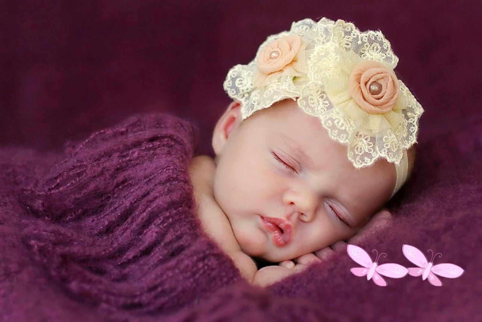 Hình ảnh em bé mới sinh dễ thương