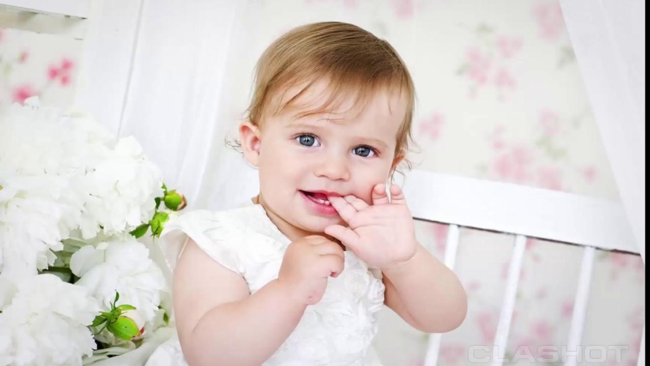 Hình ảnh em bé mút tay cực đáng yêu