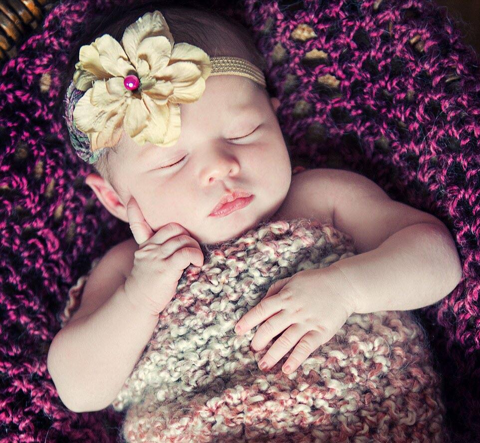 Hình ảnh về em bé ngủ dễ thương