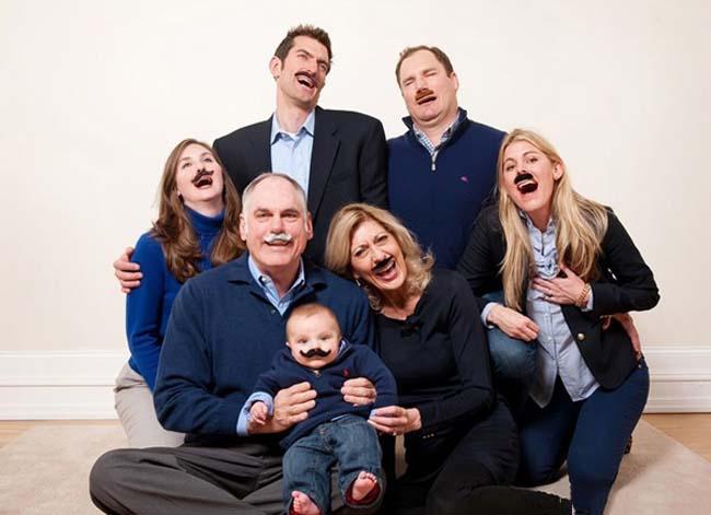 Ảnh gia đình hài hước bên nhau