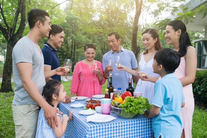 Hình ảnh gia đình nhiều thế hệ