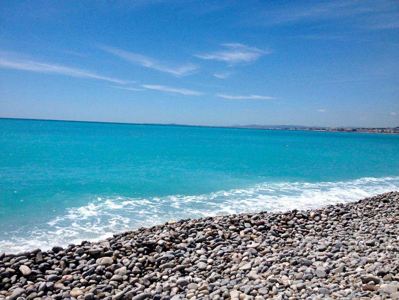 Ảnh biển xanh và đá cuội đẹp nhất