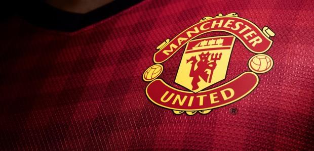Ảnh đẹp áo logo MU