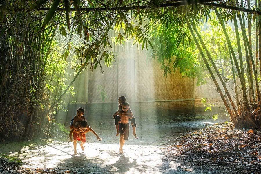 Ảnh đẹp trẻ em làng quê Việt Nam