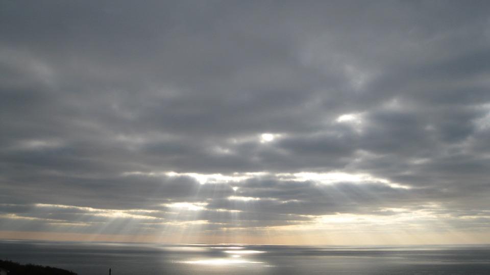 Hình ảnh bầu trời u ám đẹp