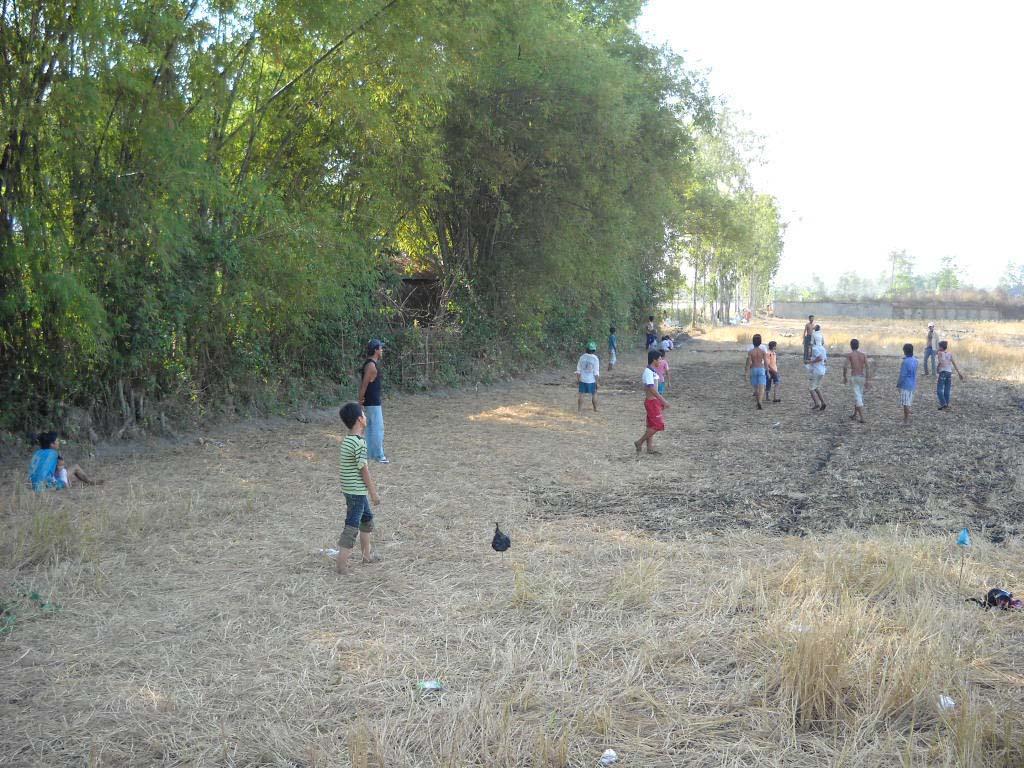 Hình ảnh đẹp trẻ em làng quê Việt vui chơi