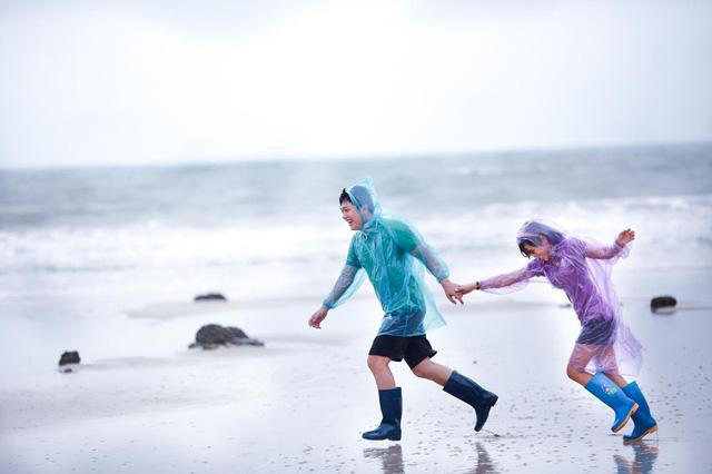 Hình ảnh cưới dưới mưa đẹp và độc