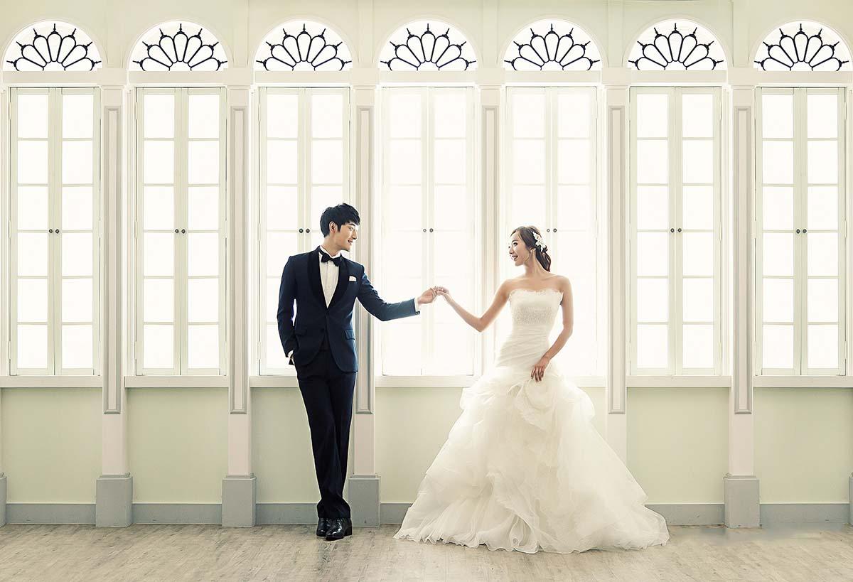 Hình ảnh cưới phong cách Hàn Quốc đơn giản