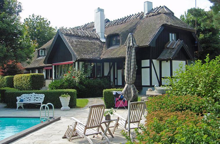 Hình ảnh nhà đẹp bằng mái lá