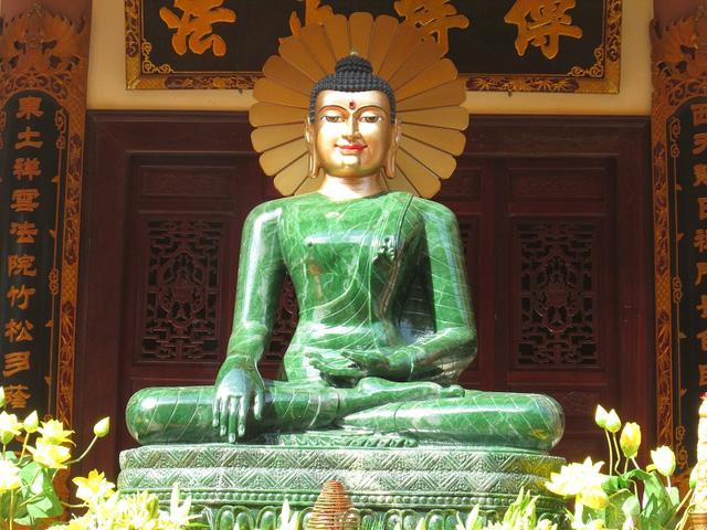 Hình ảnh Phật ngọc đẹp