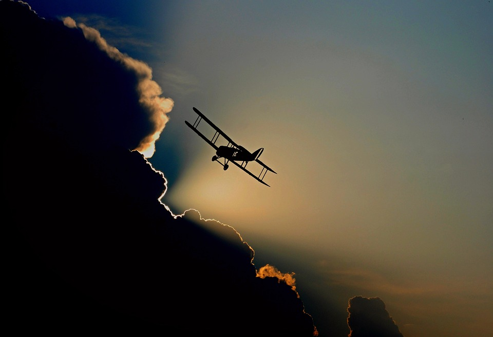 Ảnh đẹp máy bay trên bầu trời