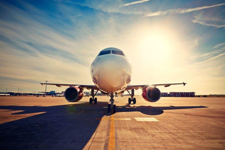 Hình ảnh máy bay đẹp dưới nắng