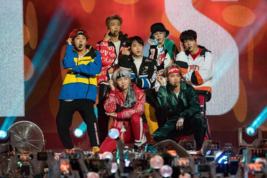 Ảnh nhóm BTS biểu diễn đẹp nhất