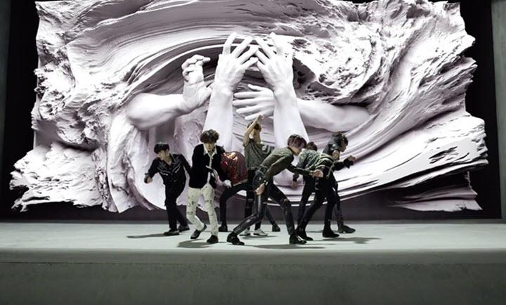 Hình ảnh nhóm BTS biểu diễn