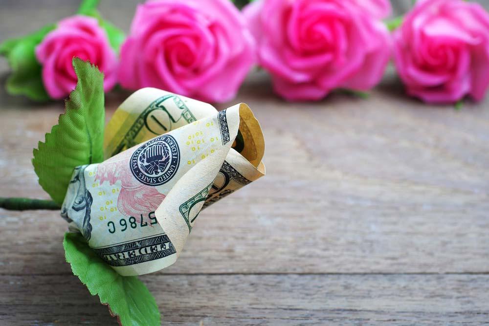 Hình ảnh tiền và hoa