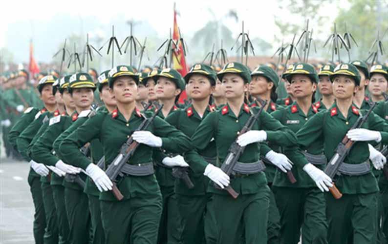Các đơn vị quân đội Việt nam miệt mài luyện diễu binh