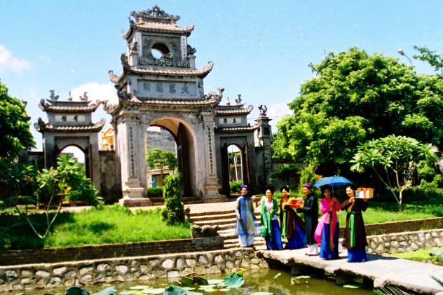 Hát quan họ ở quê hương Việt Nam