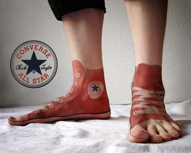 Hình xăm bàn chân độc đáo