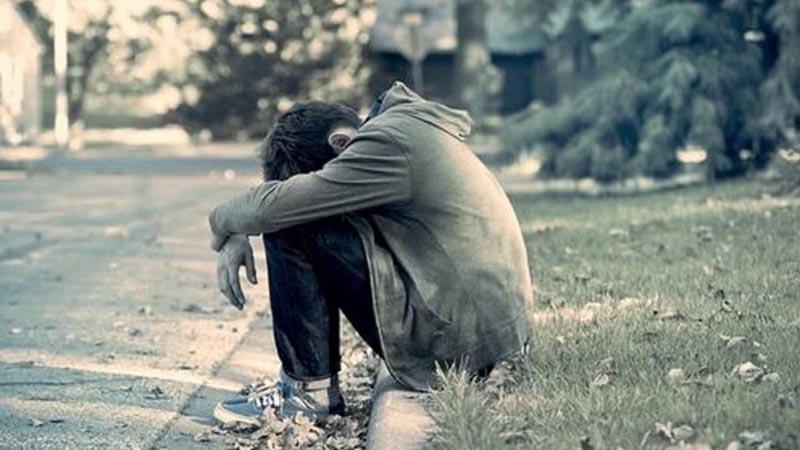 Hình ảnh buồn của chàng trai trong tình yêu và cuộc sống