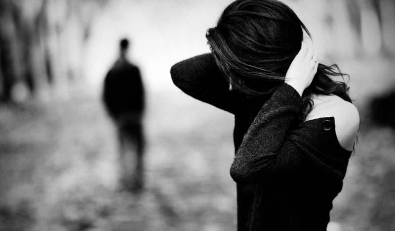 Hình ảnh buồn về tình yêu đôi lứa