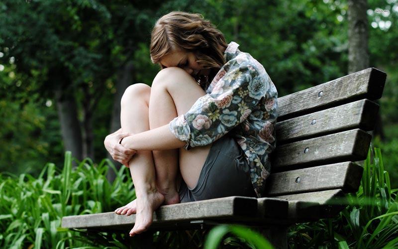Hình ảnh tâm sự buồn về cuộc sống và tình yêu