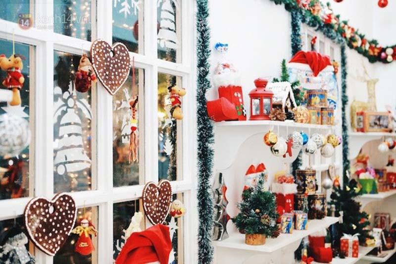 Hình ảnh trang trí Giáng sinh bằng những phụ kiện đơn giản