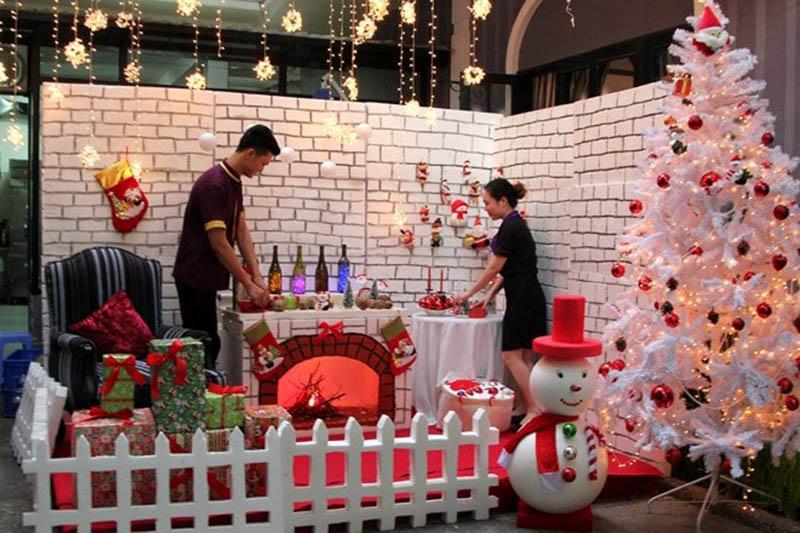 Những ý tưởng trang trí đêm Noel Giáng sinh cho quán ăn