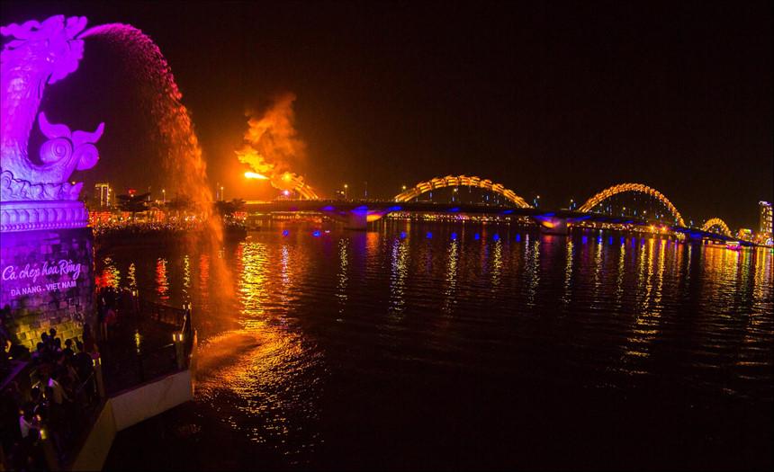 Phong cảnh đẹp Việt Nam về đêm