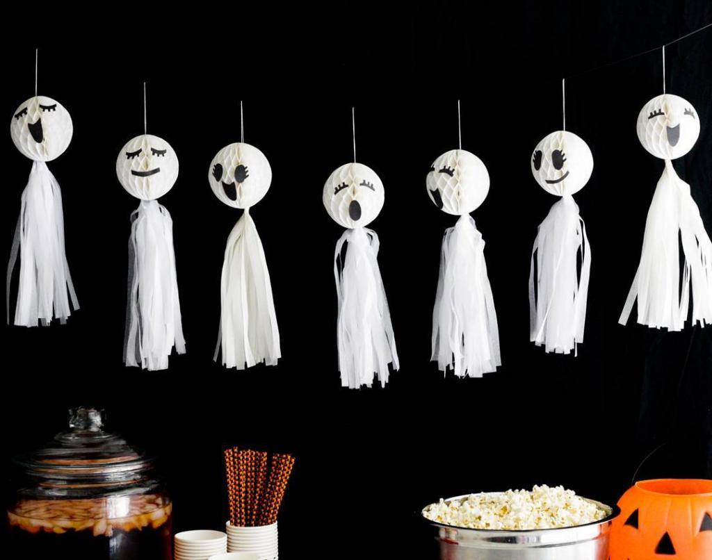 Đồ vật trang trí halloween đẹp và đơn giản
