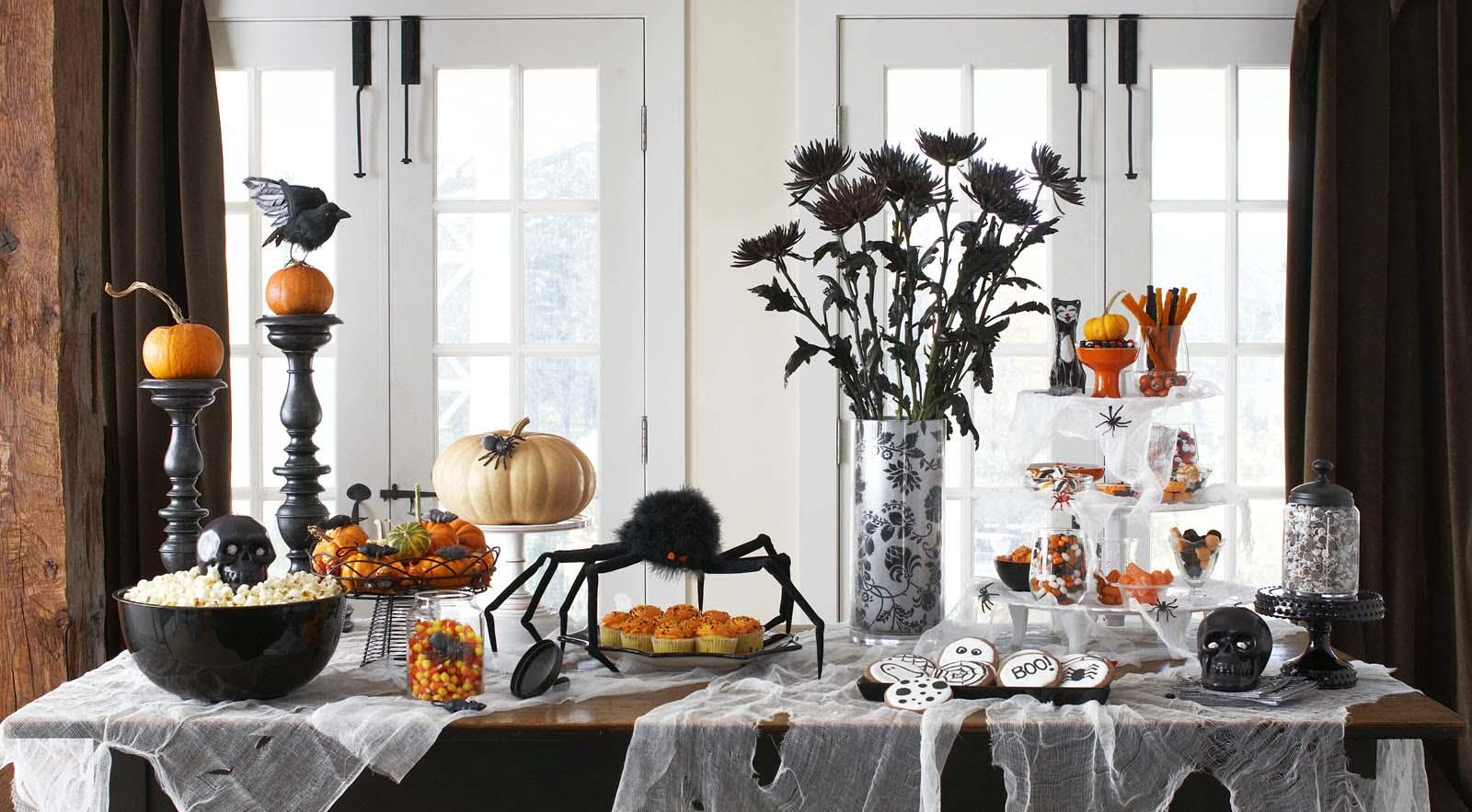 Trang trí bàn ăn ngày Halloween đẹp và đơn giản
